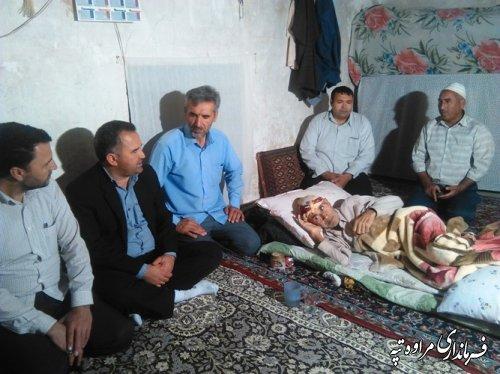 عیادت فرماندار مراوه تپه از یک بیمار در روستای خوجه گلدی