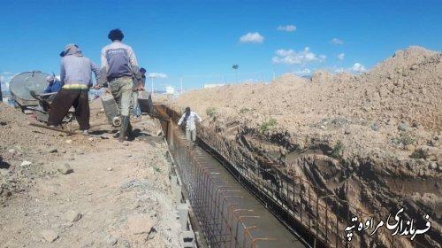 عملیات اجرایی پروژه هدایت آبهای سطحی در شهر مراوه تپه از اعتبارات جبران خسارت سیل شروع شد.