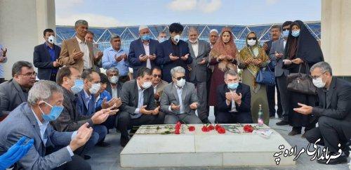 مراسم نکوداشت ۲۸۷ مین سالروز  تولد شاعر و عارف و اندیشمند مسلمان ایرانی ترکمن مختومقلی فراغی برگزار شد.